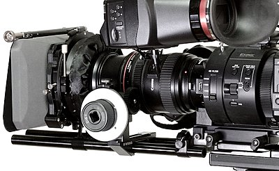 Great compact battery solution for the FS700 with power for the Alphatron.-_mg_8889.jpg