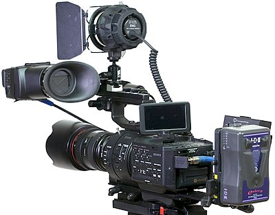 Rigging an FS700 for day to day use- my solution-nfs74.jpg