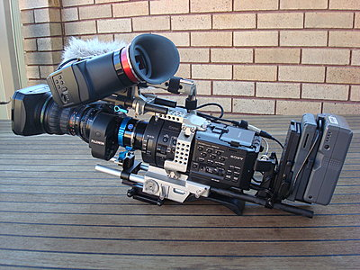 Rigging an FS700 for day to day use- my solution-dsc01697.jpg