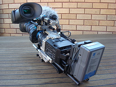 Rigging an FS700 for day to day use- my solution-dsc01700.jpg