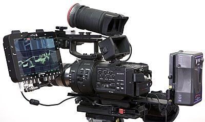 Odyssey mounting bracket for the FS700 in stock now...-o7qbracket1.jpg