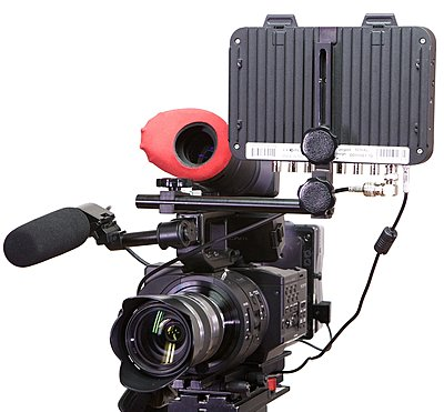 Odyssey mounting bracket for the FS700 in stock now...-o7qbracket4.jpg