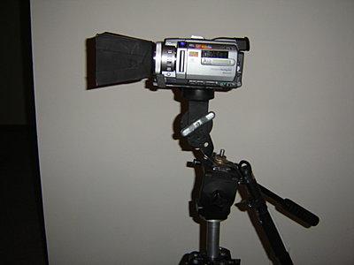TRV950 -- various questions-lens-hood-22.jpg