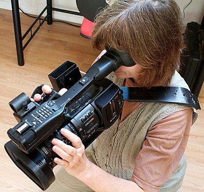 Left Eye shoulder brace for EX1 cameras-lefteye4.jpg