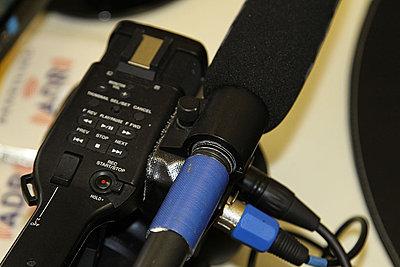 EX1R Shotgun Mic Holder Failed-img_2054.jpg