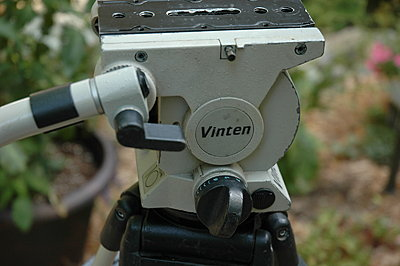 Can i get away with a 75mm ball tripod?-vinten-vision-10-head-2.jpg