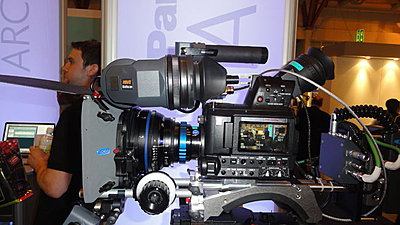 The quest for a better EVF-sony-panasonic.jpg