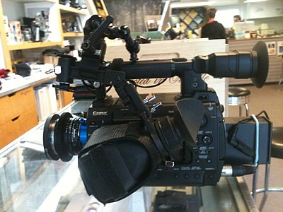 mounting HoodLoupe on F3-hdmn-f3-rig1.jpg