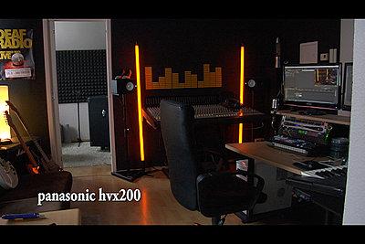 F3 Light Sensitivity vs. HVX200-sequenz-01_1.jpg