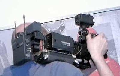 How to turn your dslr into a shouldercamera-shouldercam10.jpg