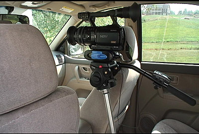 Mounting Camera in car-cartripod1.jpg