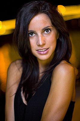 How To: Get studio-like portraits using one camera strobe-pic2.jpg