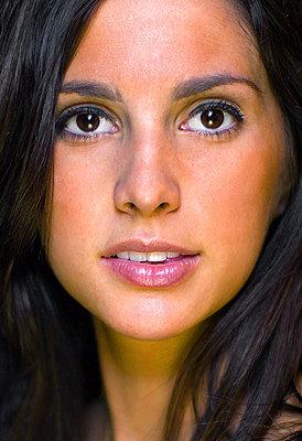 How To: Get studio-like portraits using one camera strobe-pic3.jpg