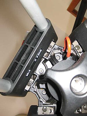 New Sachtler owner needs help-hook-thingy.jpg