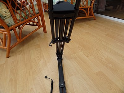 Mid-Level Spreader For Old Vinten Pro-Touch PT520 Tripod-manfrotto-520s-3.jpg