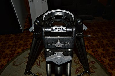 Help identifying Miller tripod and head?-dsc_0015.jpg