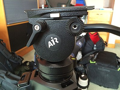Who owns a Manfrotto 504HD Fluid Head?-01air.jpg