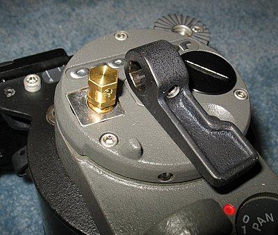 Anyone using a Libec LS-55? Seems to be a design flaw?-tilt3.jpg