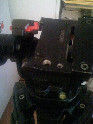 JVC GY-HD100 Tripod Mount-img_0038.jpg