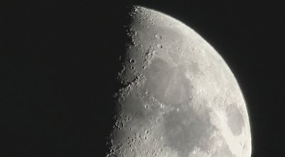 What Lens for filming more than 20x Zoom?-moon2.jpg