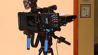 Marshall V-LCD70P-HDMI-SB vs Ikan V5600-dsc06541.jpg