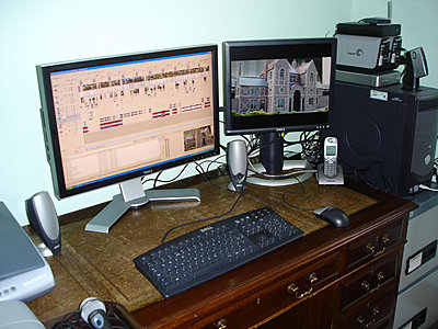 Dell Ultrasharp 2408WFP Monitor - Mini Review-new-dell2408wpf-desk-resized.jpg