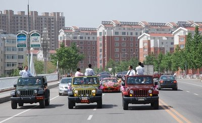 Parade of cars at Chinese Wedding-video-crew.bmp