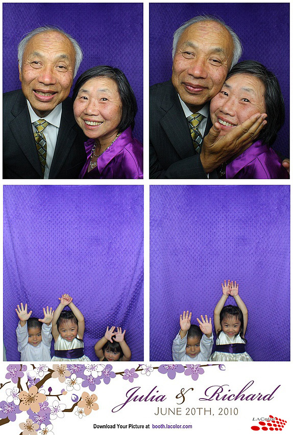 photo booth at wedding reception at dvinfonet