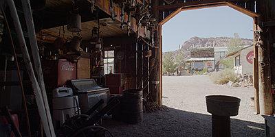 Needed, High Dynamic Range Camera-hdrx-barn.jpg