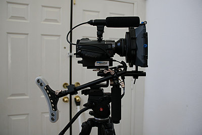 Shooting weddings with small handicams-right-side.jpg