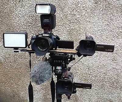 Mounting 2 cameras on one tripod-image.jpg
