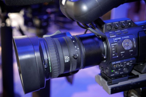 Fujinon 20x zoom with autofocus and optical image stabilization. Click for larger image.
