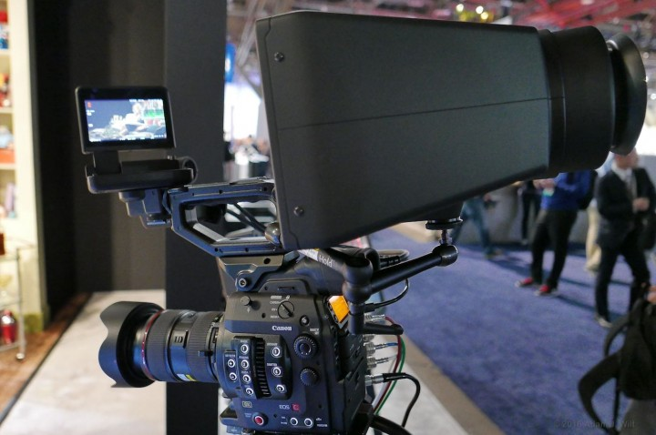 Side view: the EVF of bigger than the camera