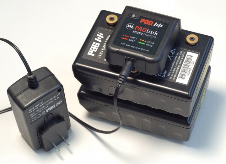 New Gold Mount travel charger from PAG.
