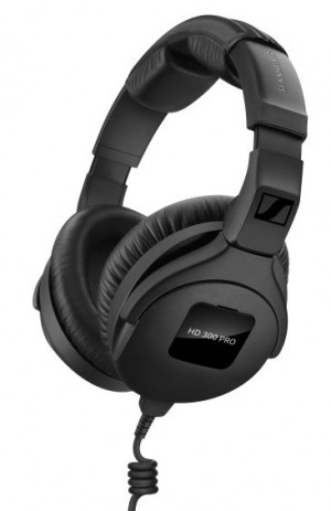 The sound reproduction of the HD 300 PRO monitoring headphones is modelled as closely as possible on the legendary HD 250 Linear