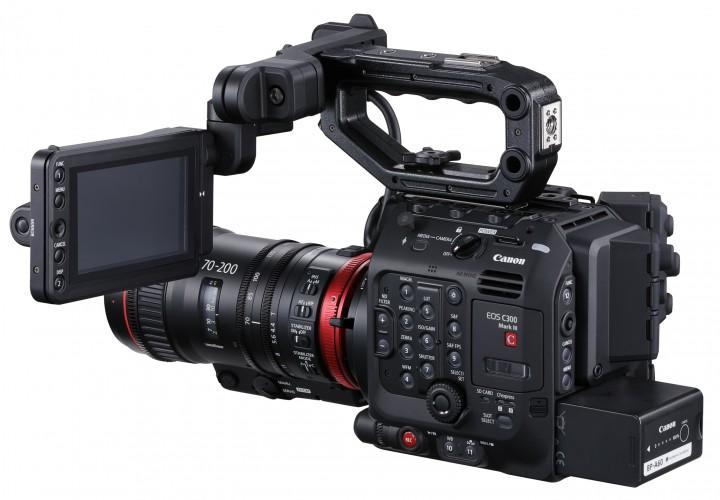 6-C300 Mark III_01_back_side_left_70_200_LCD_Side